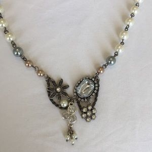 American eagle pearl necklace